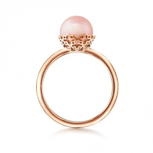 Peach Pearl and 18K Gold Ring, $550 | 25 Stunning Engagement Rings That Aren't Made With Diamonds