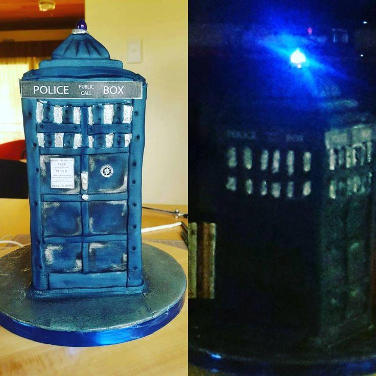 Doctor Who tardis cake #tardiscake #tardis #doctorwho