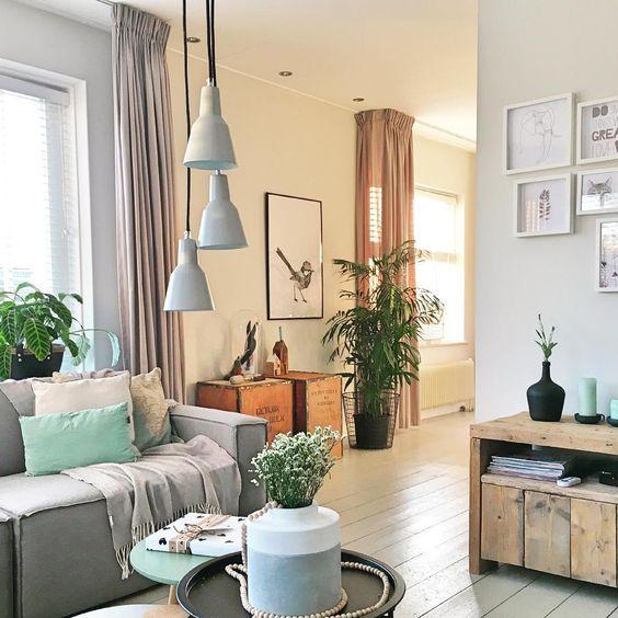 Meer dan 1000 idee n over kleine woonkamer op pinterest kleine woonkamers huiskamer en huizen - Een kleine rechthoekige woonkamer geven ...