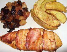 Csiperke blogja: Baconos csirkemell párolt gyümölcsökkel