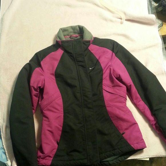 Women's Nike Coat Size small Nike coat Nike Jackets & Coats Puffers