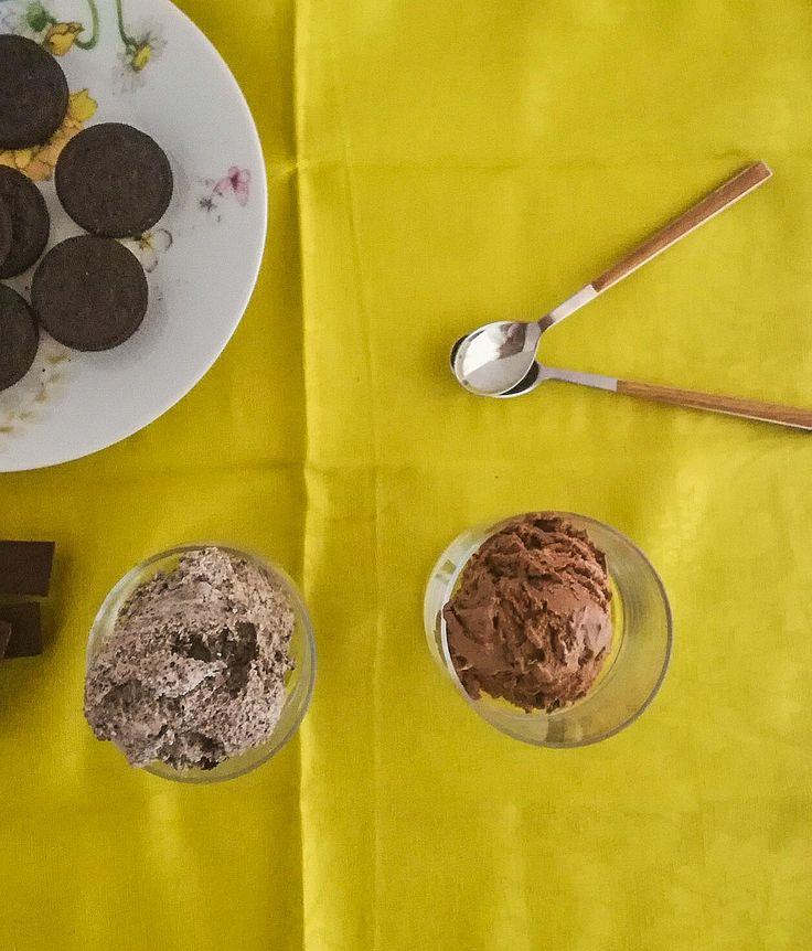 Βασικη συνταγη παγωτου βανιλια με 3 υλικα και 2 προτασεις, oreo cookies ice cream και triple choc chip ice cream.