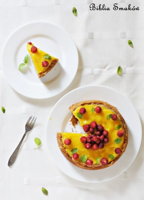 Ciasto zkremem zmango iz poziomkami (bez glutenu ibez cukru)