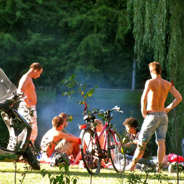 Dutchmen hanging out at Vondelpark in Amsterdam http://dreameurotrip.com