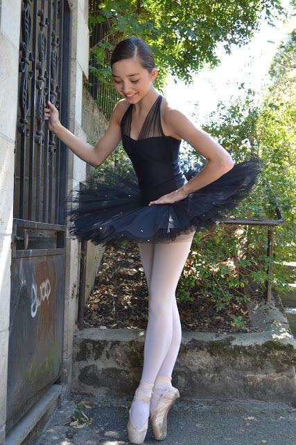 Black tutu. To follow more boards dedicated to dance photography, pas de deux…