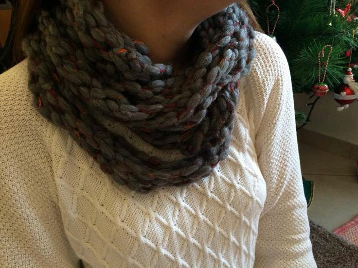 Arm knitting - infinity scarf