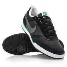 black nike casual shoes