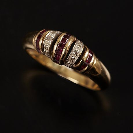 Carréslipade rubiner diamanter