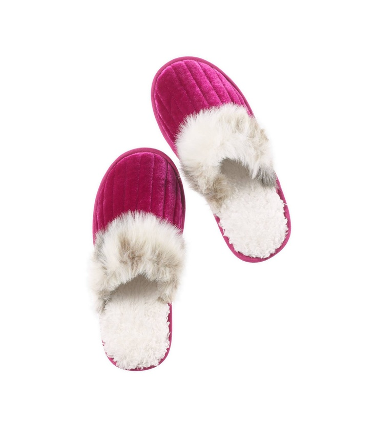 171 Best Slippers Images On Pinterest Fuzzy Slippers Shoes And Bedroom Slippers