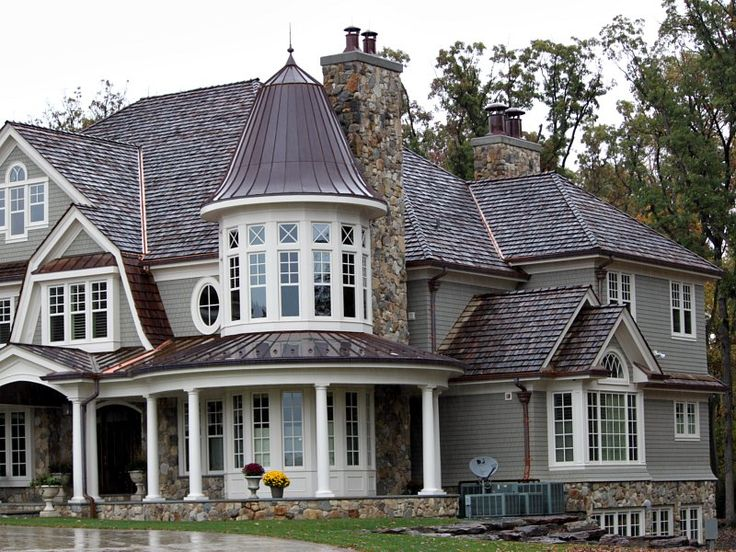When I win the lotto, I'm building a house like this :) Love the look of old building way better than new.