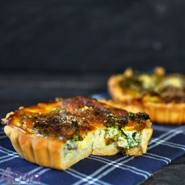 Quiche with kale, mackerel and Parmesan | 4Pure #4pure #kale #quiche #mackerel #parmesan http://www.4pure.nl