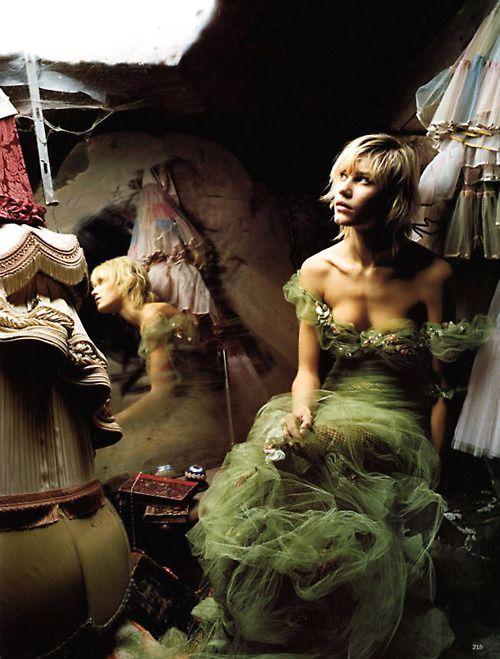 luxe-calme-et-volupte:  Delphine Bafort by Corinne Day for Vogue UK (April 2002).