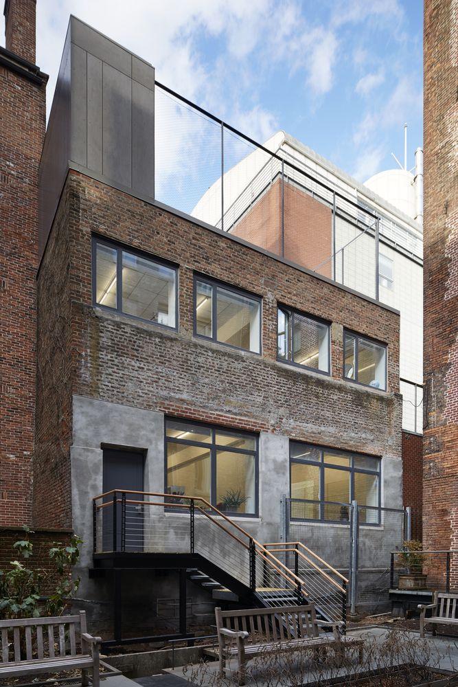 Gallery of Blue School Middle School / PellOverton Architects - 12