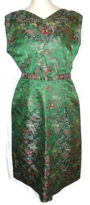 Jahrgang 1950 s grün Satin Wiggle Kleid von ExpatriateVintage