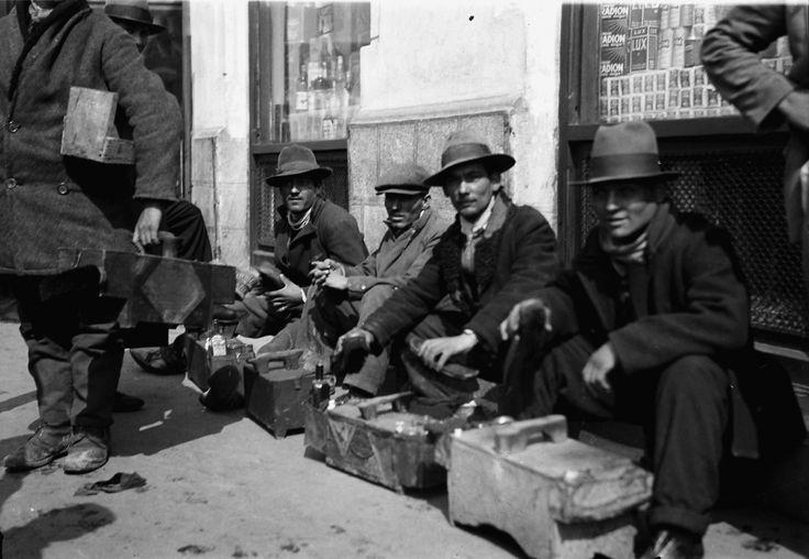 Bootblack group, April 1932