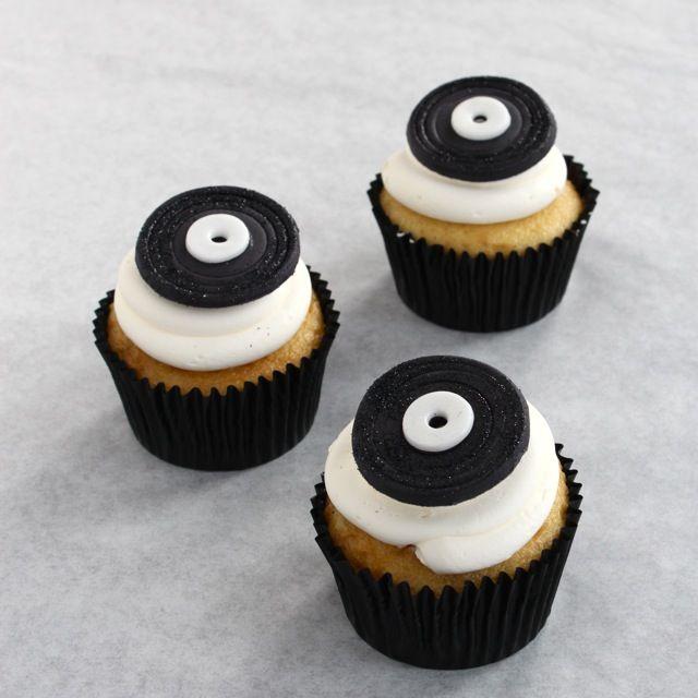 Cupcakes de vinilos, id?neos para una fiesta rock! / LP cupcakes, ideal for a rock party!