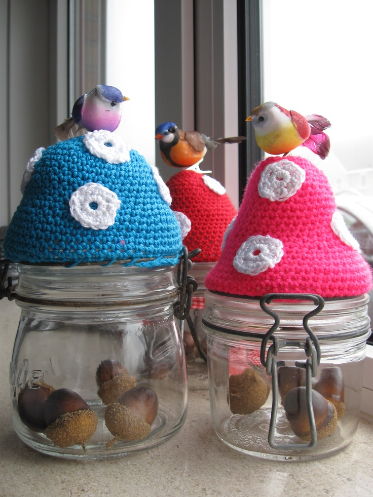 diy crochet toadstool  http://ietsiepietsiekitschie.blogspot.nl/