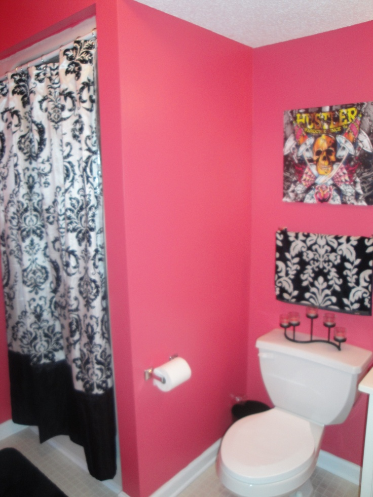 Love The Hot Pink And Black For Girls Bathroom   Maybe Have Their Rooms Be  Same