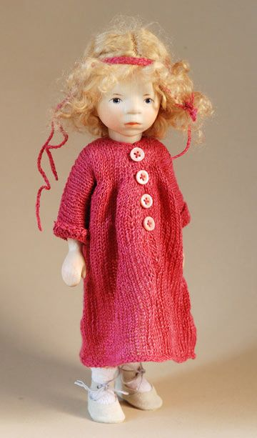 Girl In Dark Pink Knit DJ037