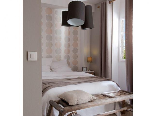 Chambre romantique pastel, blanc et gris