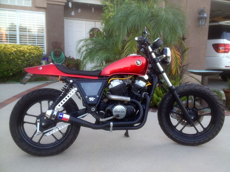 Johnny Jump's 1984 Honda VT500FT Street Tracker | Joker Machine