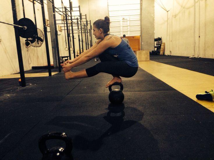 Pistol squat #crossfit   Crossfit, Fitness, Motivation ...