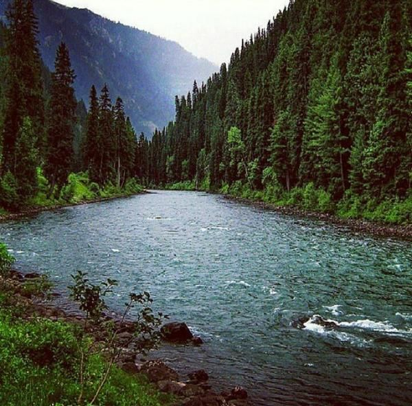 Where are the tourists? This must lead to the Niagara Falls? No! This peach of a view is from the Neelam Valley, Kashmir. One of the better tourist ranges in Pakistan, this valley is a 200km long bow-shaped, deeply forested region.