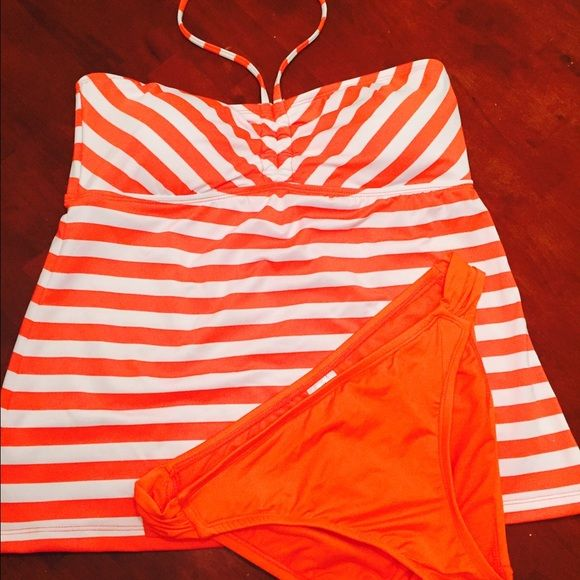 Maternity Tankini Swimwear Ladies (Orange & White) Mossimo for Target Maternity Tankini •NWOT• Never worn! Size L Mossimo Supply Co. Other
