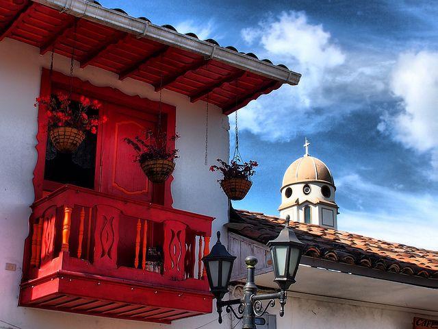 #colombiaenmadrid Arquitectura colonial en Colombia, Eje Cafetero, Salento P5272274_5_6 HDR Vagamundos 2012 by Vagamundos.net/Carlos Olmo, via Flickr