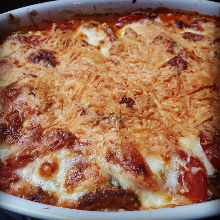 In een handomdraai een lekkere lasagne maken met veel groenten. Helemaal vegetarisch maar je zult het vlees in deze schotel niet missen.