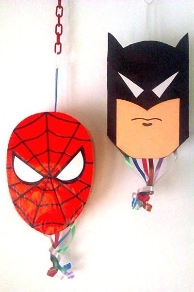 Piñatas Superheroes - Batman y Spider-Man
