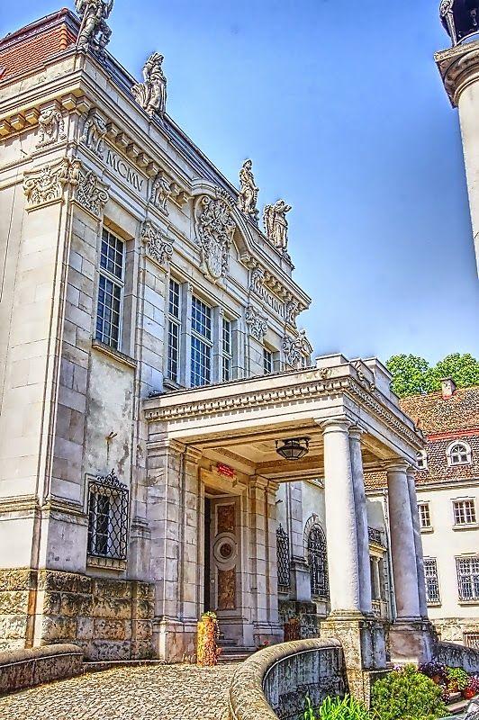 Pałac w Brynku woj. śląskie | < 824~ us (schody>) {<art...} fm https://de.pinterest.com/binary12/palaces-kingdoms-cities-and-architecture-real-or-i/