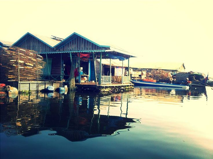 Sunset in the Floating village   Cambodia http://just-read-it.cz/floating-village/