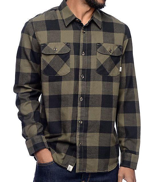 Be that classy skater dude your mom always wanted you to be with the sophisticated style of the Hixton flannel shirt in olive and black from Vans. This durable flannel button-up has a traditional fold-down collar and dual chest pockets with button closure