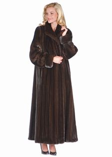 1000  images about Fur Coats on Pinterest | Coats Silver foxes