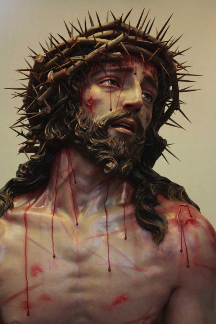Sute de fideli credincioşi din insula Andaman au putut observa cu ochii lor o pictură a lui Christos din care se scurge sânge. Inima s-a rănită plânge păcatele oamenilor se …