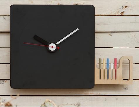 #Chalkboard clock: Chalkboards, Clock Fun Times, Kitchen Clocks, Chalkboard Paint, Blackboard Clock, Craft Ideas, Chalkboard Doors, Chalkboard Clock Fun