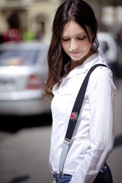 Czarne damskie szelki z różą i paskami w Baboshka na DaWanda.com