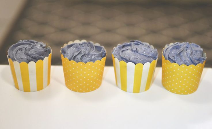 Blueberry frosting cupcakes