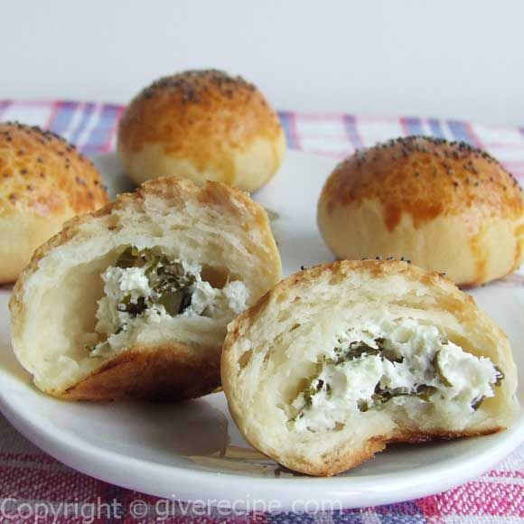 Cotton soft buns stuffed with feta and parsley | giverecipe.com | #bread #buns #turkish