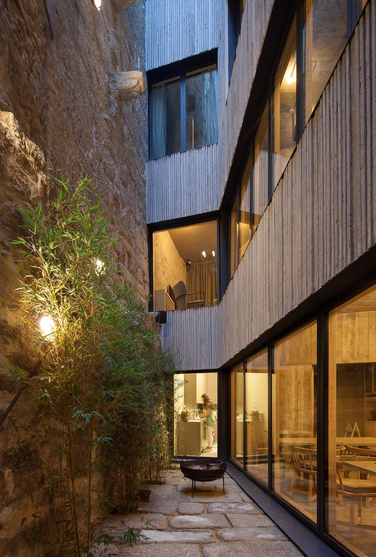 Armazém Luxury Housing . Pedra Líquida