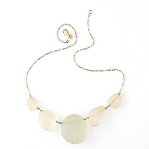 Collana della collezione Vetri di Mare della designer Francesca Mo, realizzati con pezzetti di vetro usurati dal tempo. http://www.coolfashionstyle.it/2014/02/gioielli-di-francesca-mo.html