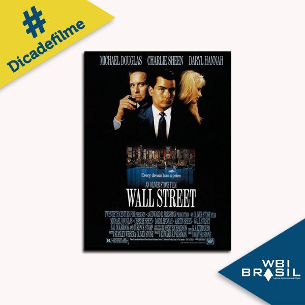 Nova York, década de 1980: Charlie Sheen é Bud Fox, um ambicioso jovem que trabalha como corretor no mercado de ações. As reviravoltas na vida de Fox começam quando ele passa a trabalhar para Gordon Gekko, interpretado por Michael Douglas. A #dicadefilmeWBI desta semana é um clássico do cinema, e teve continuação em 2010!
