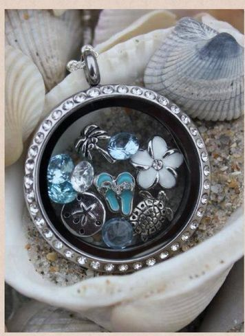 Beach Theme Origami Owl Locket Contact me to place your order: www.charmedbyholly.origamiowl.com hmyers2778@yahoo.com Repin and share