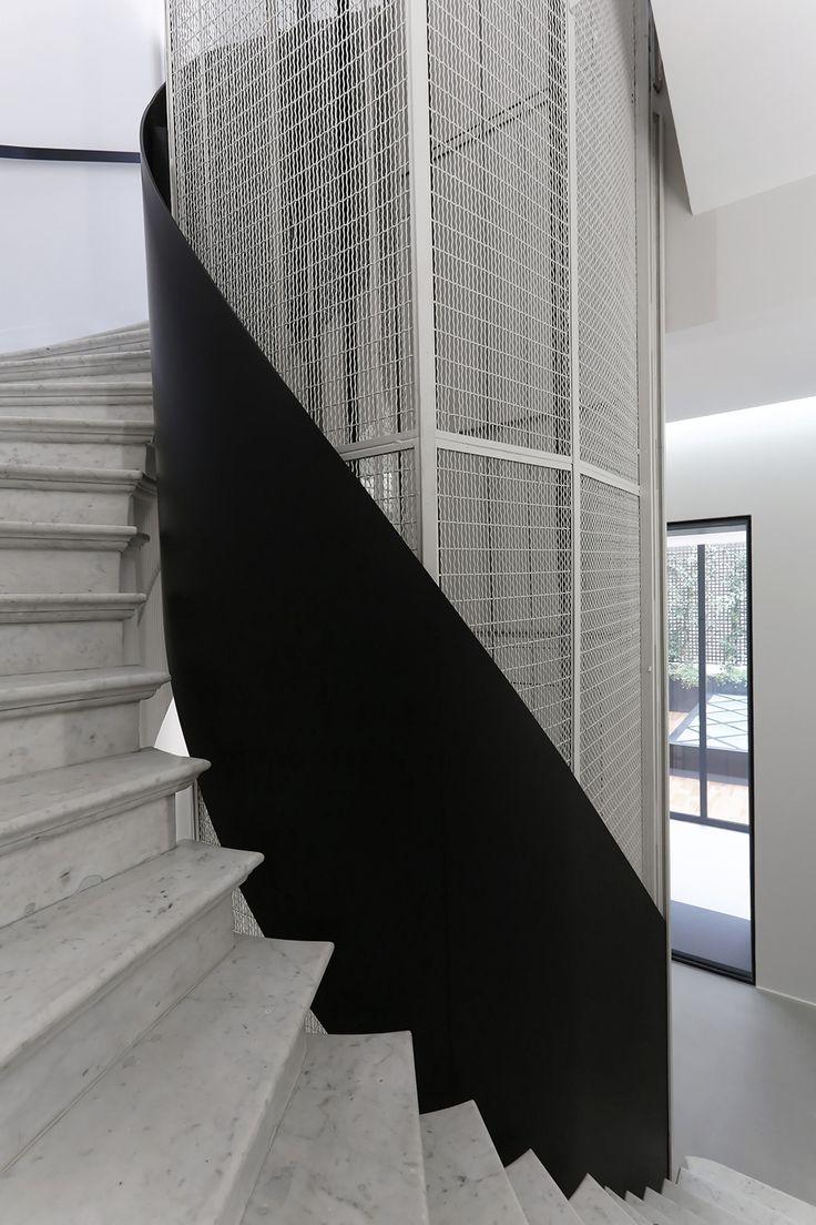 Dior Mens Paris by Antonio Virga Architecte + Dior Men | Featured on Sharedesign.com