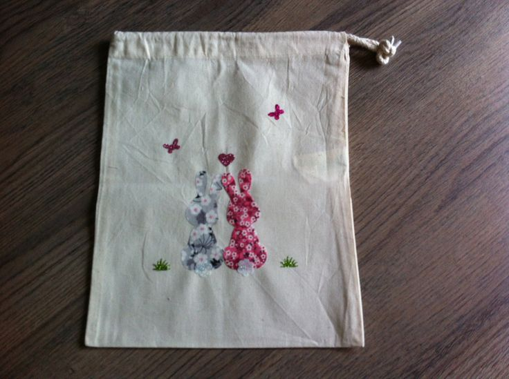 sac à doudou en coton pour fille , couple de lapin amoureux rose liberty et paillette : Sacs enfants par nessymatriochka