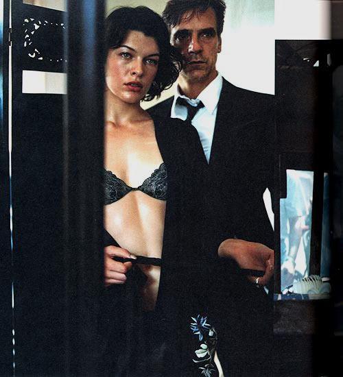 "Milla Jovovich & Jeremy Irons для ""DKNY"""