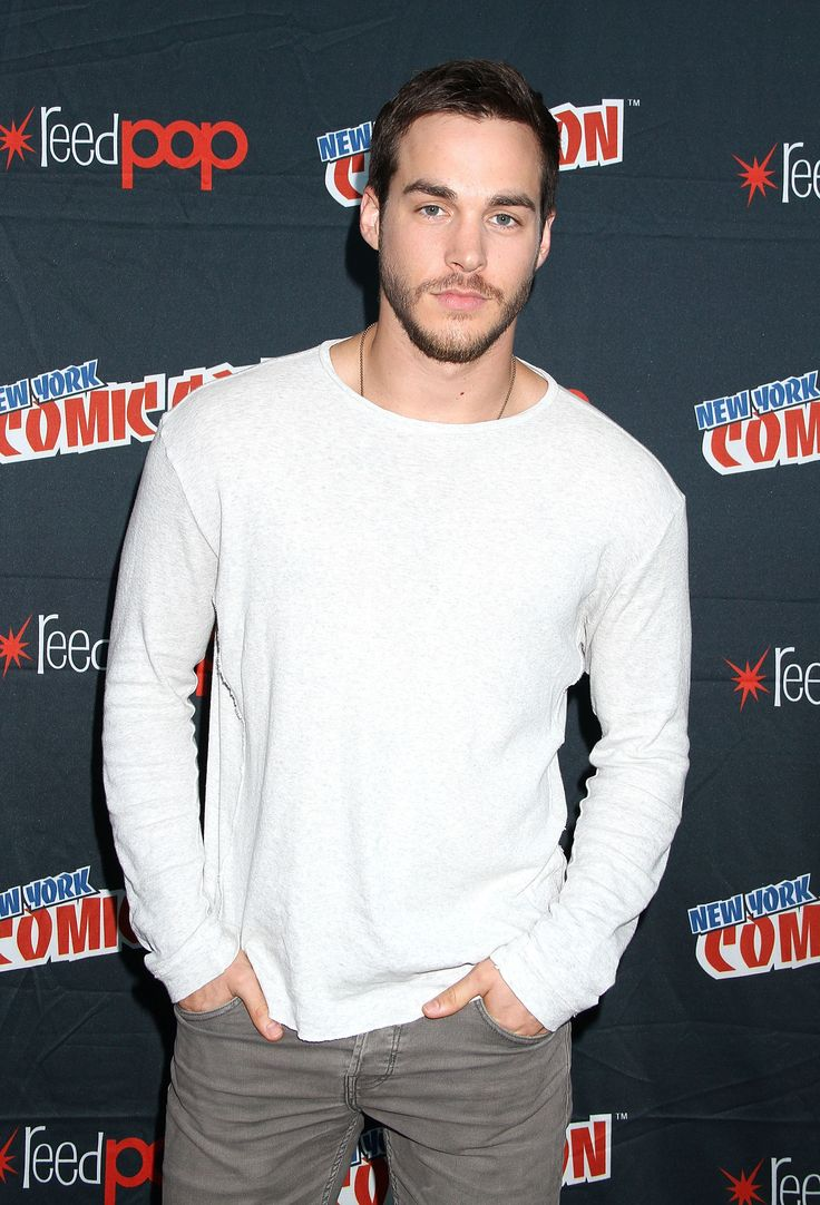 #TVD & #Containment Start Chris Wood Joins #Supergirl As A Season 2 Regular http://www.sueboohscorner.com/fyi/tvd-containment-start-chris-wood-joins-supergirl-as-a-season-2-regular8162016