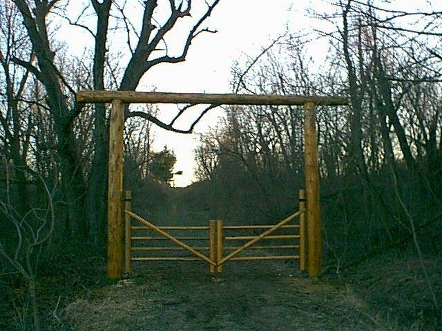 1000 Ideas About Farm Entrance Gates On Pinterest Farm