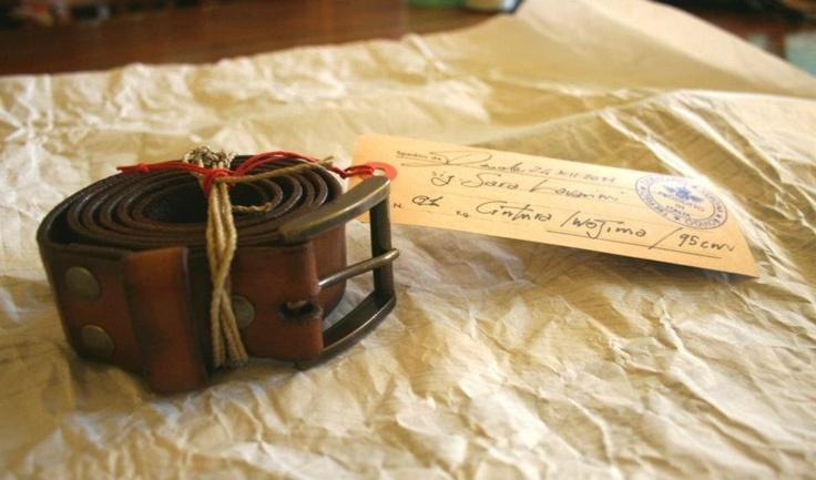 Belt preparing for the packaging  ------------------------------------------  preparazione per la confezione